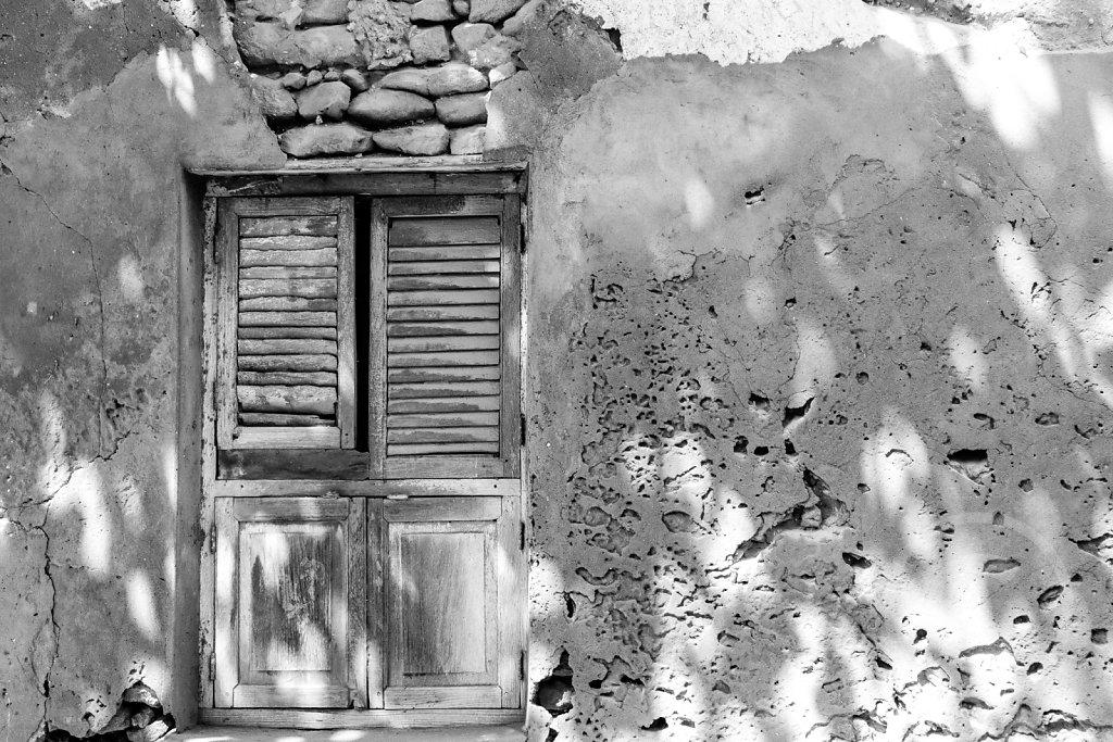 Window in Bagamoyo