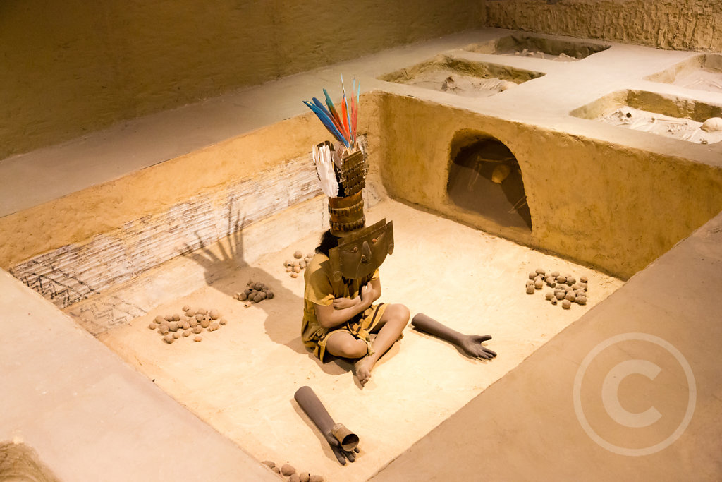Reconstruction of the grave of the Lord of Sican